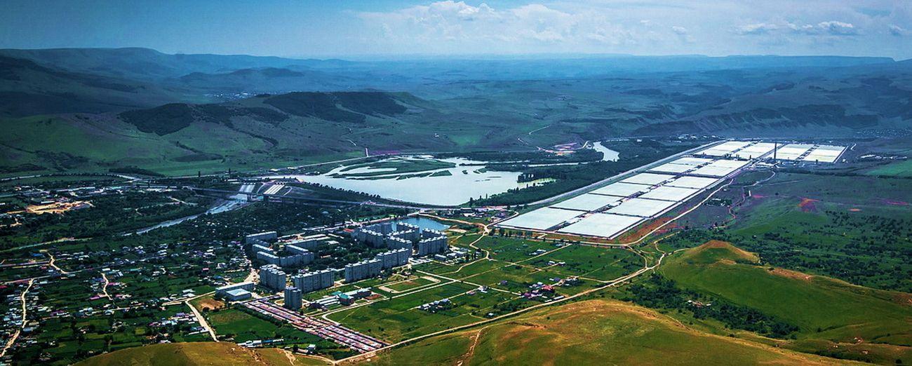 Совхоз-комбинат «Южный» построен по постановлению Совета Министров СССР от 15.07.74 года в городе Усть-Джегуте Карачаево-Черкесской Республики